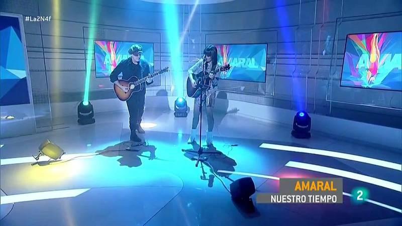 """Amaral interpreta """"Nuestro tiempo"""" en La 2 Noticias"""
