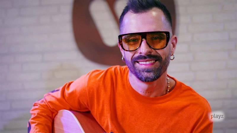 Mike Bahía nos presenta su nuevo álbum, 'Navegando'