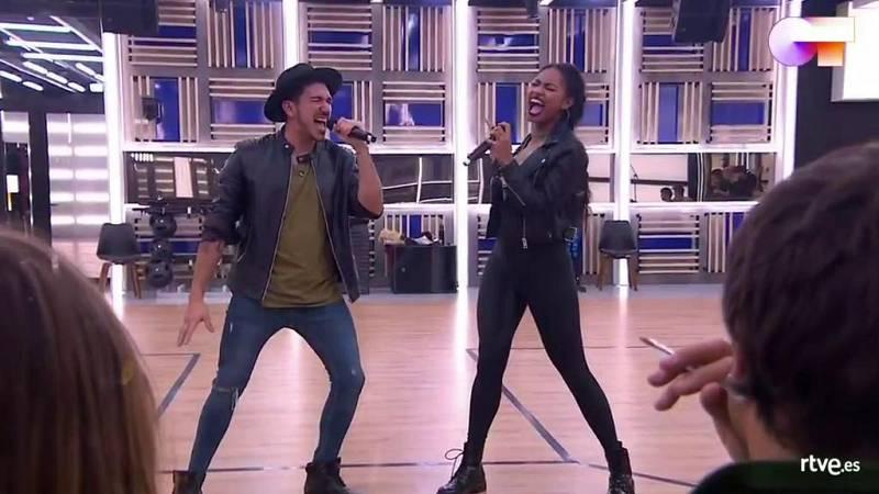 """Bruno y Nia cantan """"Bad Girls"""", de Donna Summer en la versión de Jamiroquai & Anastacia, en el primer pase de micros de la Gala 4 de Operación Triunfo 2020"""