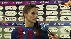 """Esther González: """"Ellas han tenido una oportunidad y han hecho gol"""""""