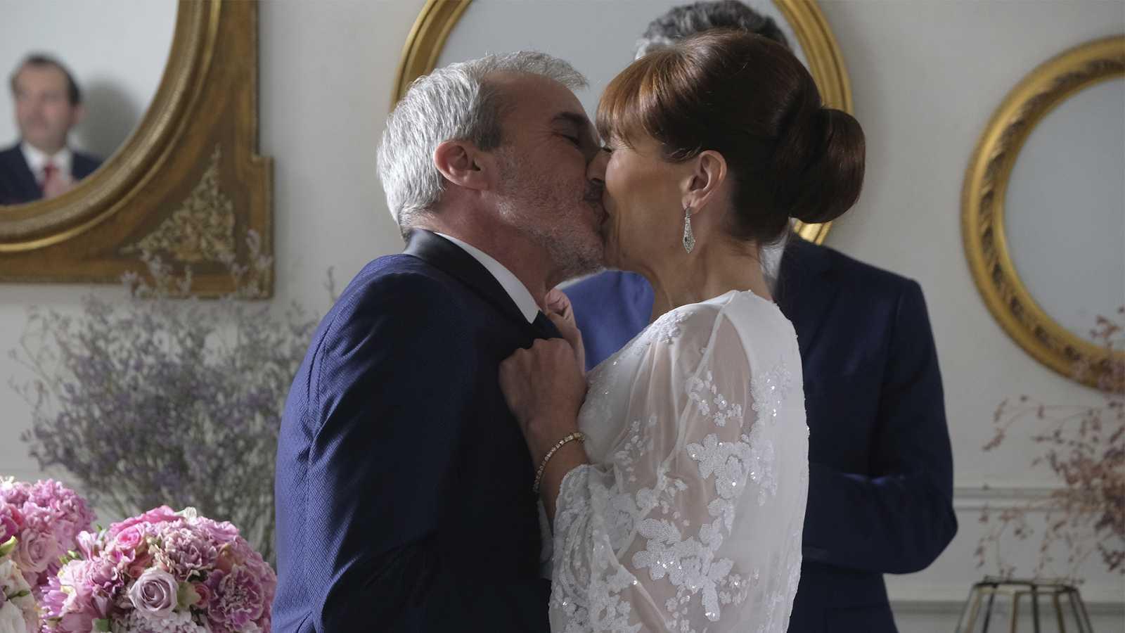 Making of capítulo 696: Así se grabó la boda entre Elías y María en 'Servir y Proteger'