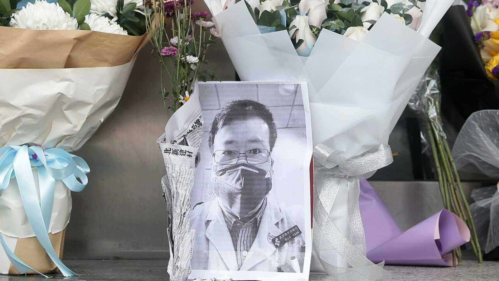 La muerte de Li Wenliang provoca una ola de indignación en China y fuerza al gobierno a abrir una investigación