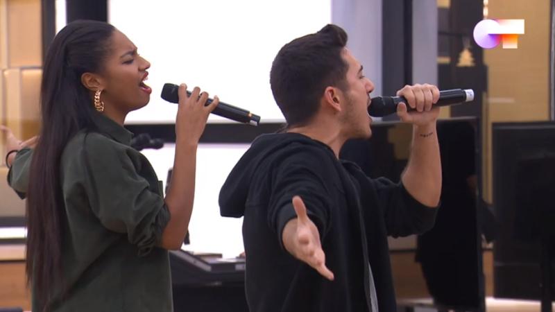 """Bruno y Nia cantan """"Bad Girls"""", de Donna Summer en la versión de Jamiroquai & Anastacia, en el segundo pase de micros de la Gala 4 de Operación Triunfo 2020"""