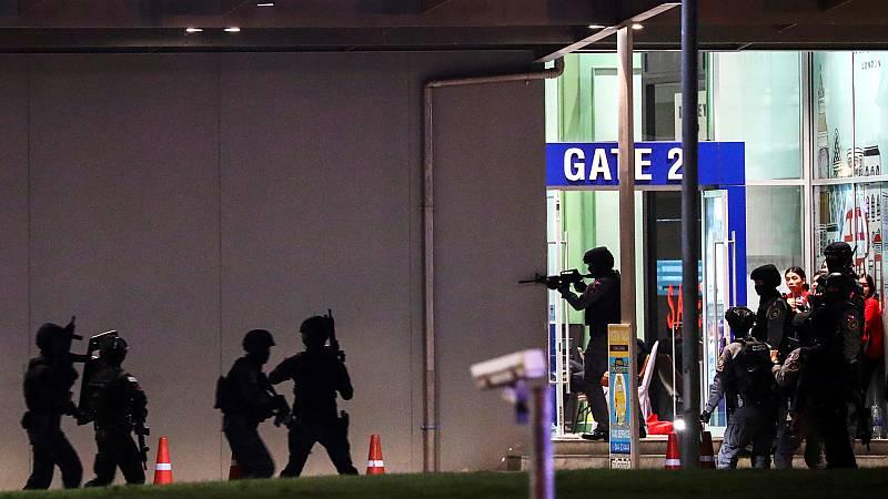 Veinte muertos en un tiroteo en un centro comercial de Tailandia