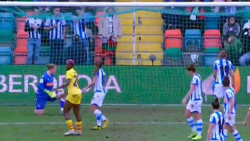 Alexia Putellas también ha firmado su doblete en la final de la Supercopa al marcar el sexto gol de la mañana contra la Real Sociedad.