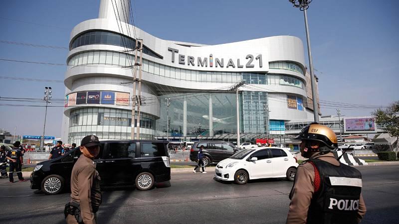 Un soldado es abatido en Tailandia tras matar a 29 personas y atrincherarse en un centro comercial