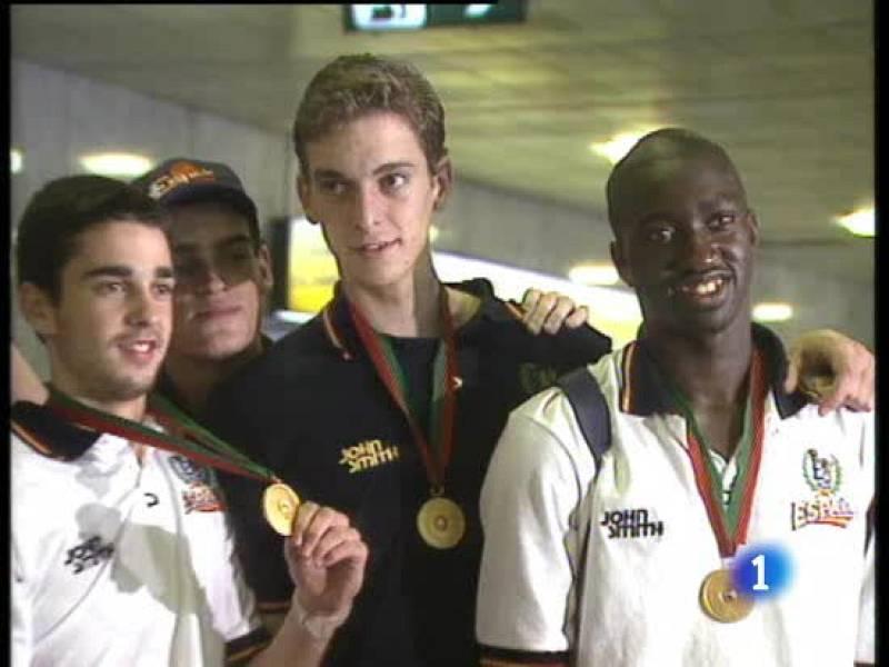 El 25 de julio de 1999, los junior del baloncesto español conseguían el oro en el Mundial de Lisboa tras imponerse a Estados Unidos en la final.