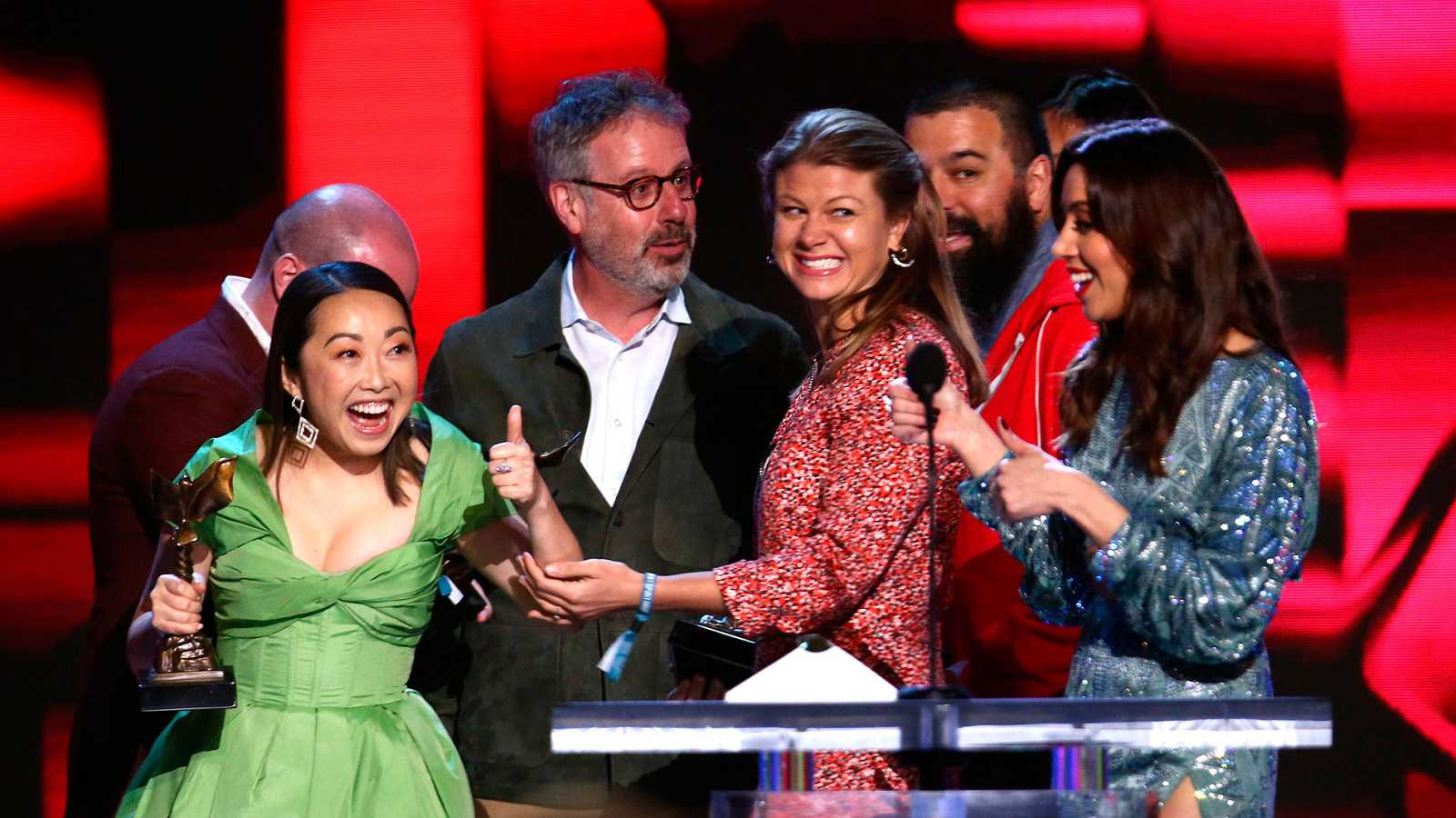 'The Farewell' triunfa en los Spirit en la víspera de los Oscar
