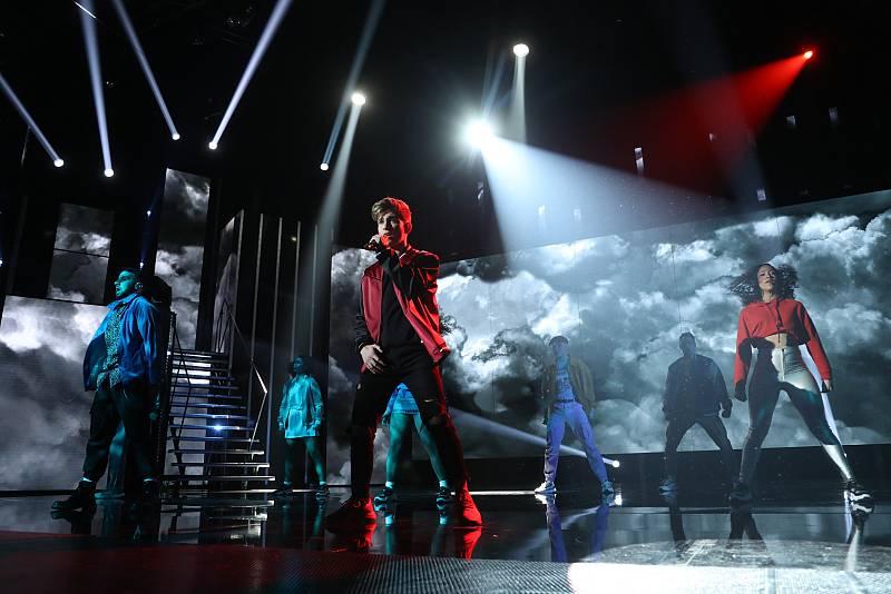 Nick canta Thriller, de Michael Jackson, en la Gala 4 de Operación Triunfo 2020