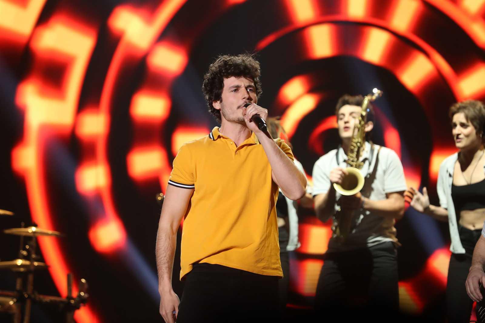 """Miki Núñez canta """"Celébrate"""" en la Gala 4 de Operación Triunfo 2020"""