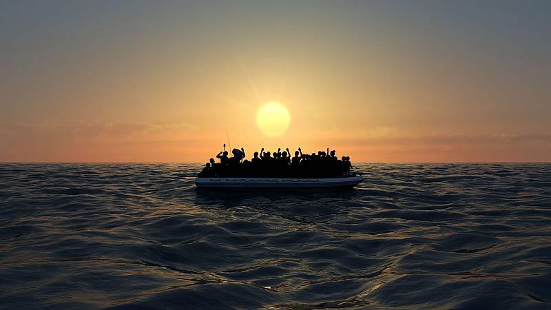 El fallecido y los once supervivientes de una patera avistada en alta mar llegan a Las Palmas