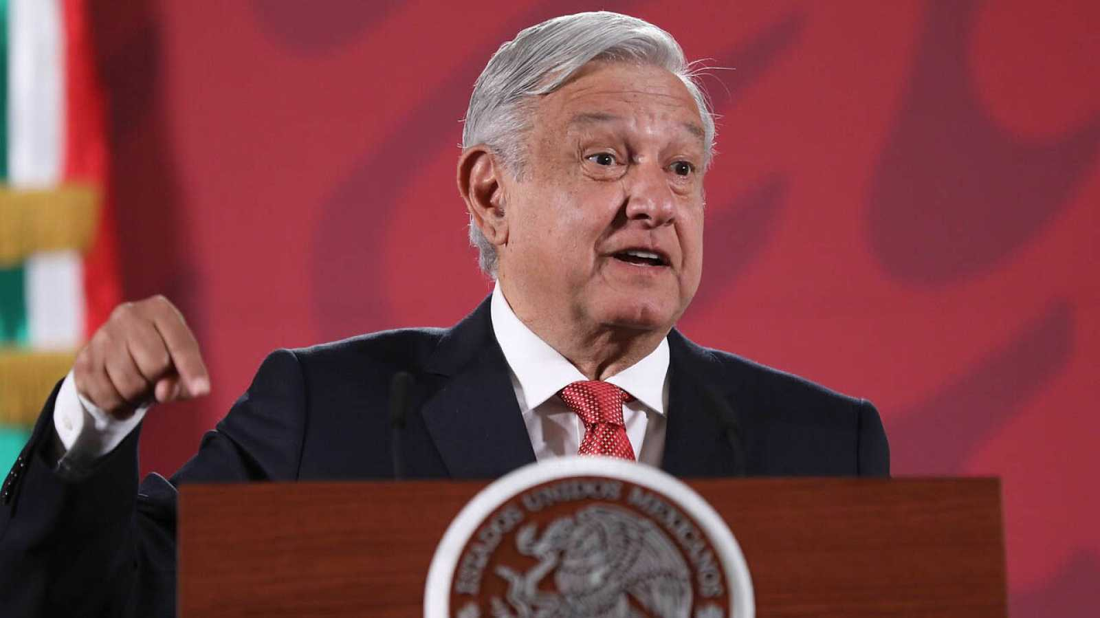 El presidente de México ordena reabrir la investigación del caso de Ayotzinapa