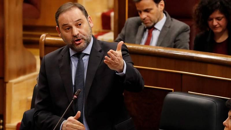 """El PP acusa a Ábalos de """"mentiroso"""" y pide su dimisión en el Congreso por el incidente con Delcy Rodríguez"""