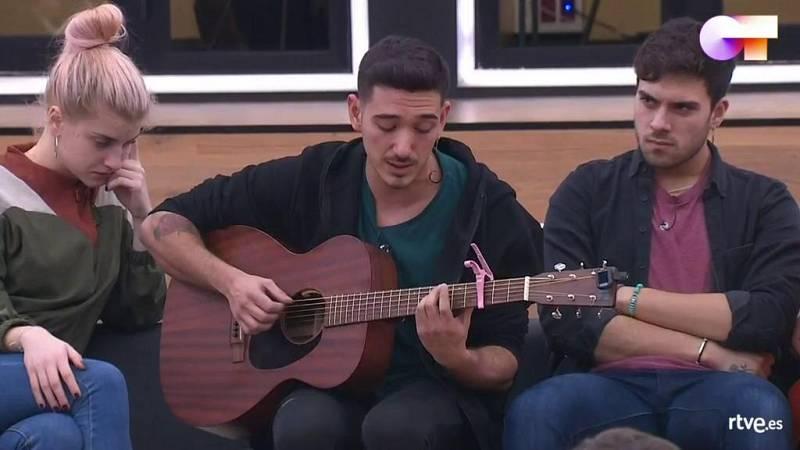 """Bruno canta su canción """"Simple touch"""" en la clase de composición de Manu Guix en la Academia de Operación Triunfo 2020"""