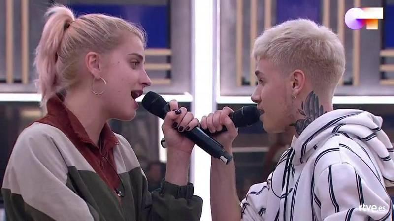 """Hugo y Samantha cantan """"Vas a quedarte"""", de Aitana, en el primer pase de micros de la Gala 5 de Operación Triunfo 2020"""