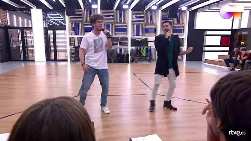 """Jesús y Bruno cantan """"Everybody (Backstreet's Back)"""" de Backstreet Boys en el primer pase de micros de la Gala 5 de Operación Triunfo 2020"""