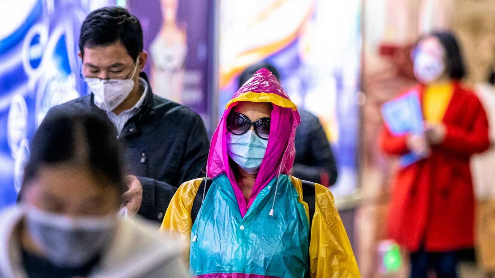 """Coronavirus: la OMS pide cautela y recuerda que """"este brote puede moverse todavía en cualquier dirección"""""""
