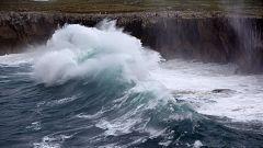 Continúan los avisos en 7 provincias por mala mar
