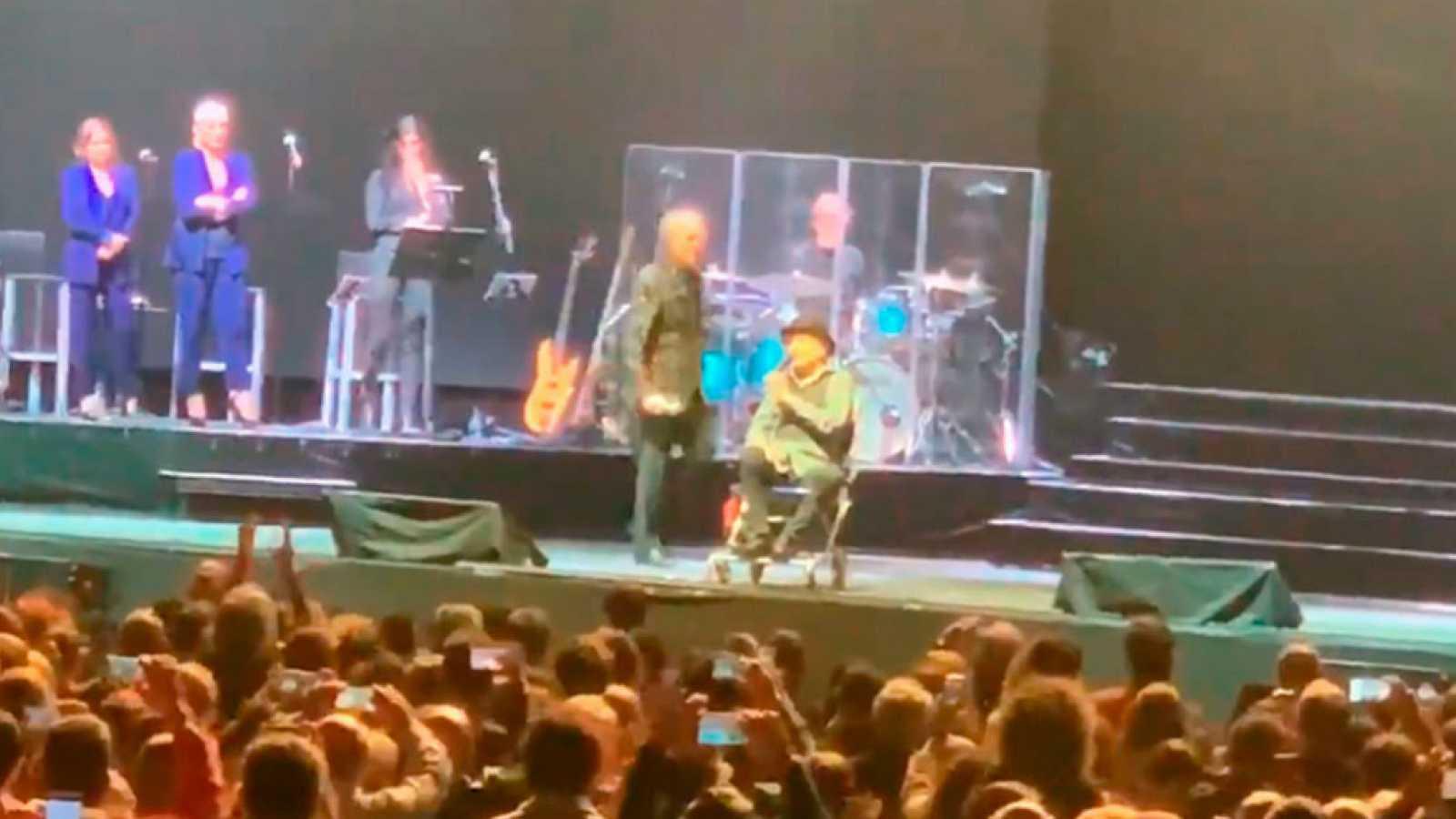 Hablamos con Sole Giménez de la caída en el escenario de Joaquín Sabina y su estado de salud