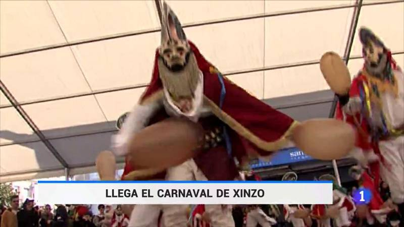 El carnaval de Xinzo, en Ourense, es uno de los tres de España que tiene la categoría de Fiesta de Interés Turístico Internacional, y cada año reúne a más de 20.000 visitantes. Ya no hay alojamiento. Entre sus atractivos, la tradición de sus disfrace