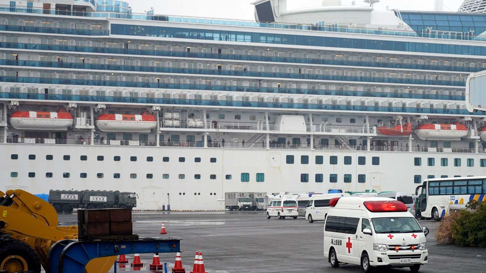 Cruceros varados por el coronavirus
