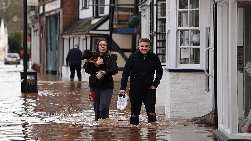 La borrasca Dennis provoca inundaciones en el Reino Unido