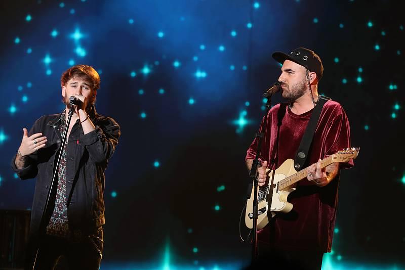 """Nil Moliner y Dani Fernández cantan """"Soldadito de hierro"""" en la Gala 5 de Operación Triunfo 2020"""