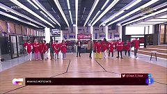 OT 2020 - Los concursantes cantan canciones con palabras sobre San Valentín en El Chat 5