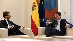 Casado y Sánchez se reúnen en Moncloa por primera vez desde la investidura