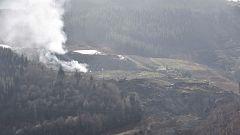 Atajado el fuego en el vertedero de Zaldibar