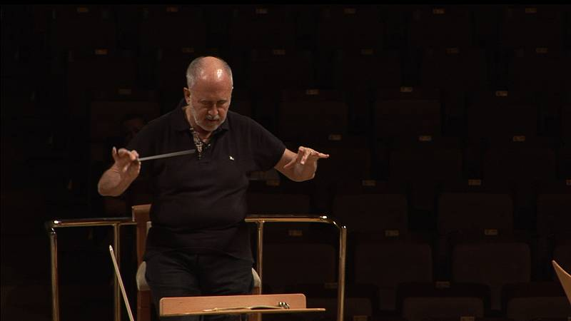 Tráiler 'Música en las manos' sobre Jesús López Cobos en Imprescindibles
