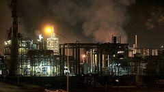 Los vecinos de la petroquímica de Tarragona, indignados por el abandono después de la explosión