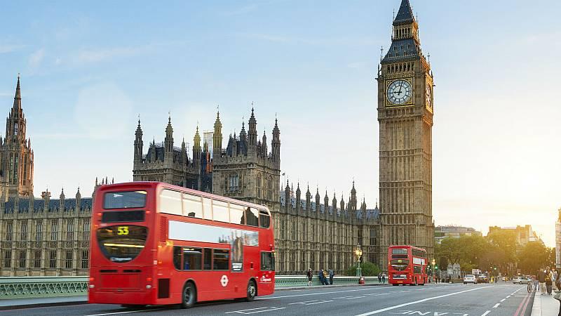 Reino Unido endurecerá las condiciones de entrada de los inmigrantes mediante un sistema de puntos