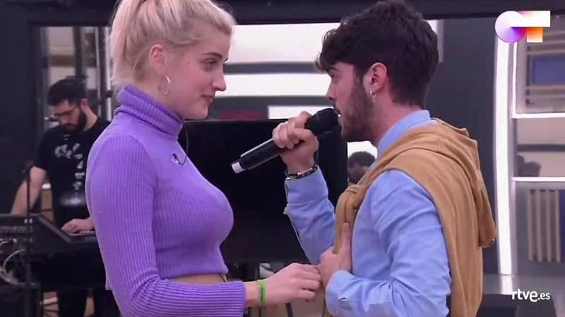 """Rafa y Samantha cantan """"La lista de la compra"""", de La Cabra Mecánica, en el primer pase de micros de la Gala 6 de Operación Triunfo 2020"""