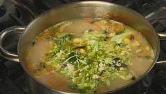 Aquí la Tierra - El clásico de la huerta: sopa de verduras