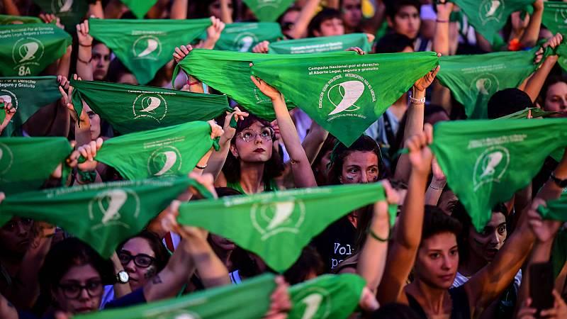 Una nueva marea verde inunda Argentina para conseguir el aborto legal en 2020