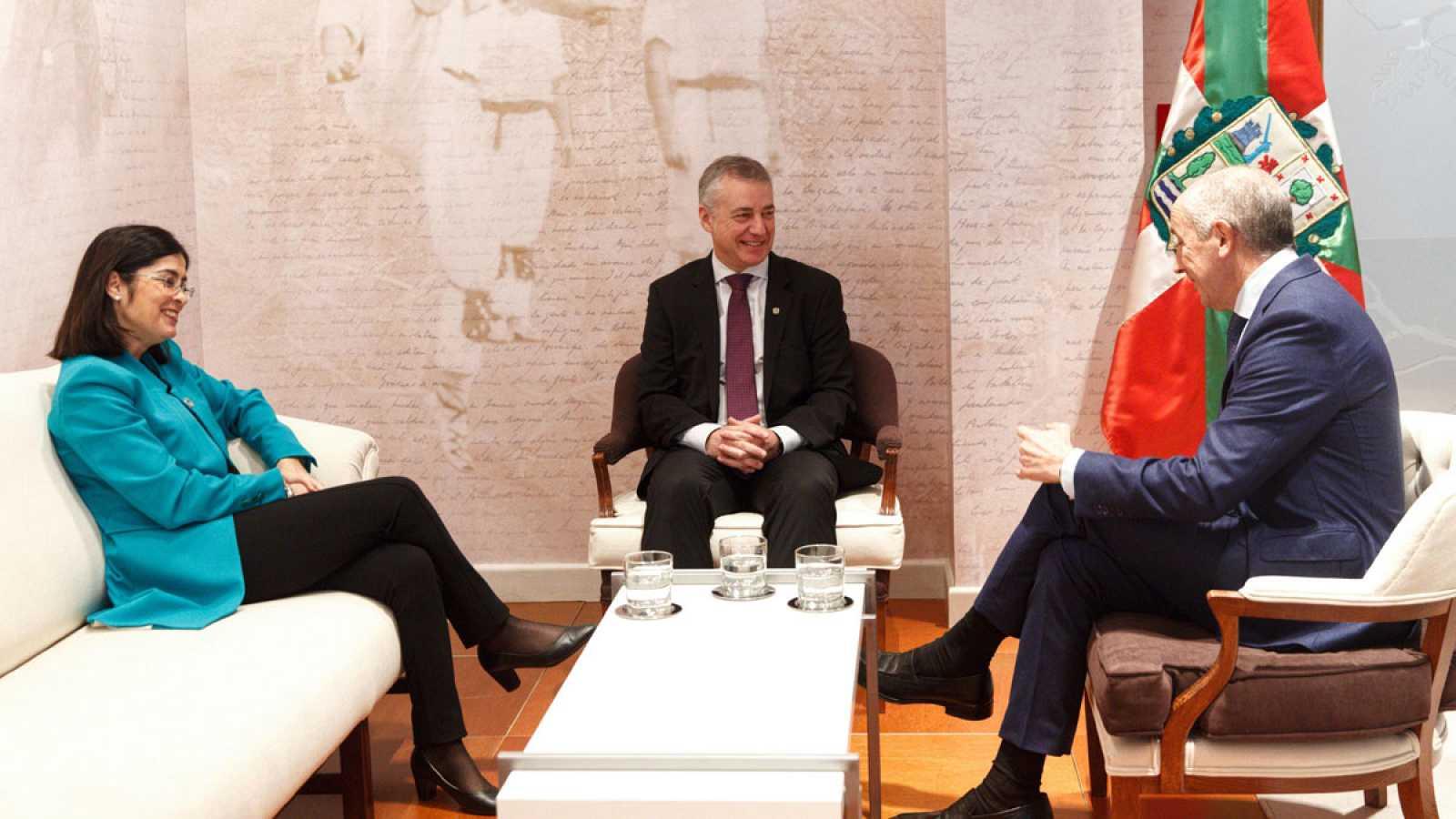 Los Gobiernos central y vasco han acordado iniciar en junio de 2011, para su conclusión en diciembre de ese año, un estudio para el traspaso a Euskadi de la gestión económica de la Seguridad Social
