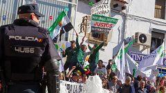 La protesta de agricultores en Mérida acaba con intervención policial