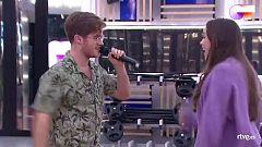 """OT 2020 - Gèrard y Eva cantan """"The Locomotion"""" en el segundo pase de micros de la Gala 6 de Operación Triunfo"""