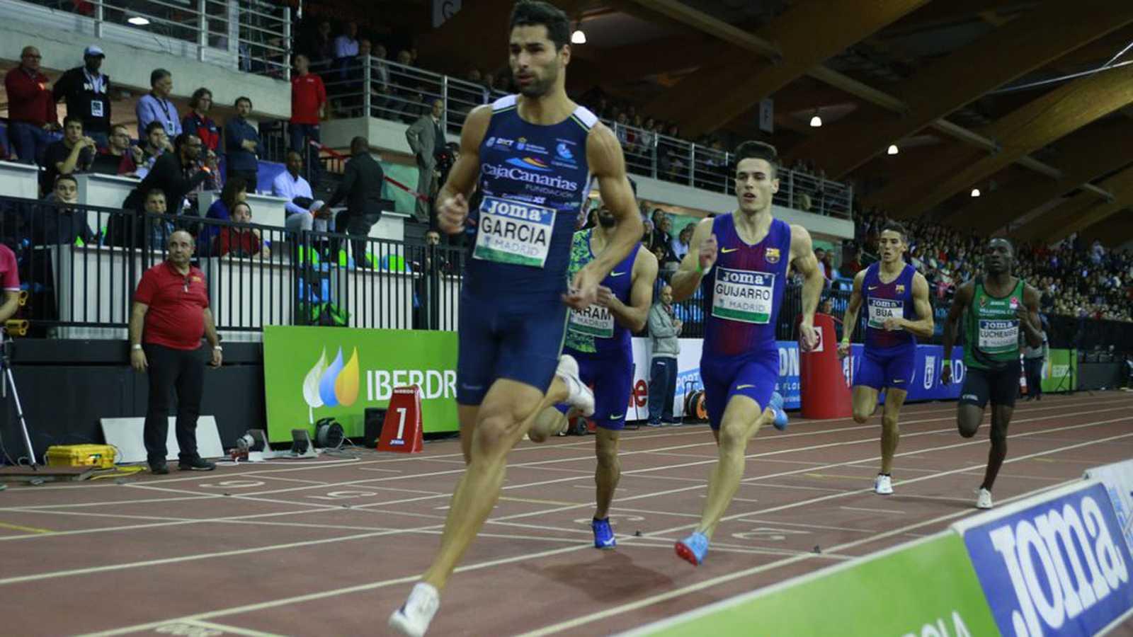 Samuel García vence los 400 metros