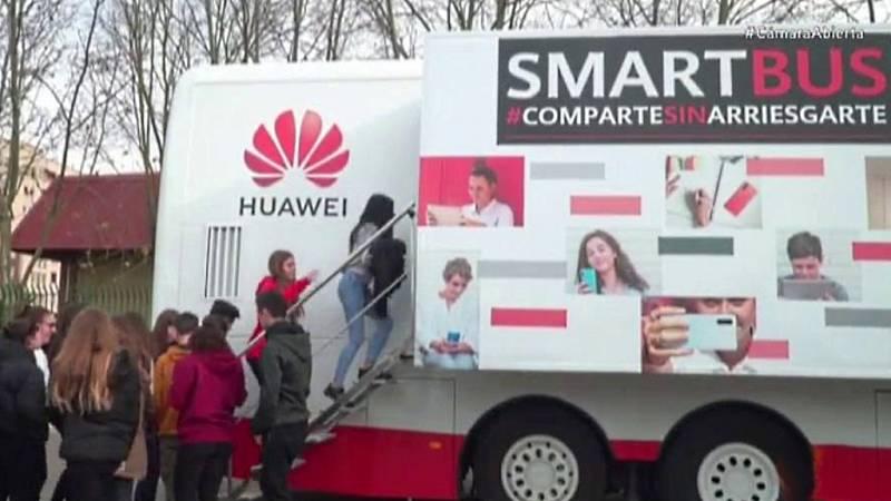 Cámara Abierta 2.0 - El Smartbus de Huawei, ArtMadrid 2020, Google Residency y Alex O'Dogherty - ver ahora