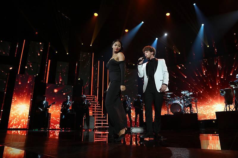 """Jesús y Nia cantan """"La última noche"""", de Luis Miguel, en la Gala 6 de Operación Triunfo 2020"""