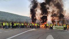 Cortes de carreteras en Jaén por la protesta de los olivareros