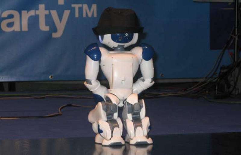Un robot homenajea a Michael Jackson en la Campus Party