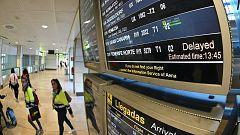 Los aeropuertos de Las Islas Canarias tratan de restablecer la normalidad