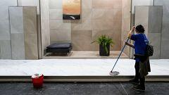 Una empresa reduce la jornada laboral de sus limpiadoras a 10 minutos