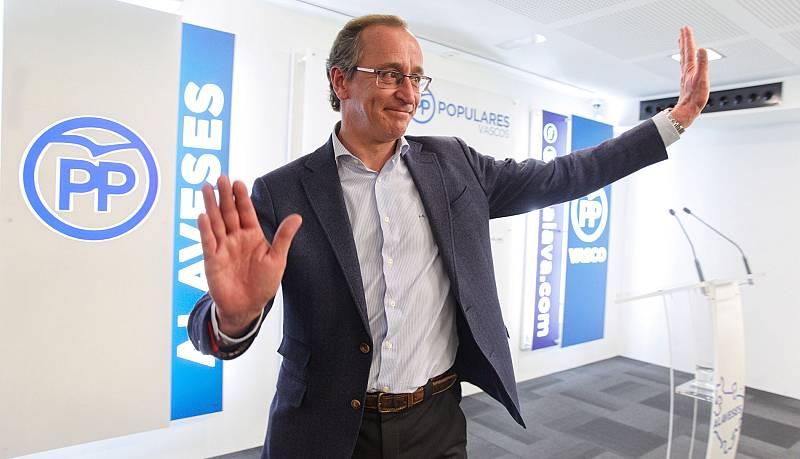 """Alfonso Alonso dimite como presidente del PP vasco: """"No puedo afrontar la responsabilidad sin ser fiel a mis convicciones"""""""