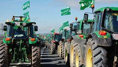 Los agricultores cortan carreteras en Sevilla