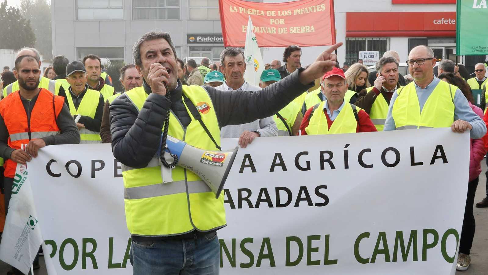 Tractoradas y cortes de autovías para reclamar precios justos en el campo