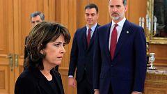 Dolores Delgado promete su cargo como fiscal general ante el rey y en presencia de Sánchez